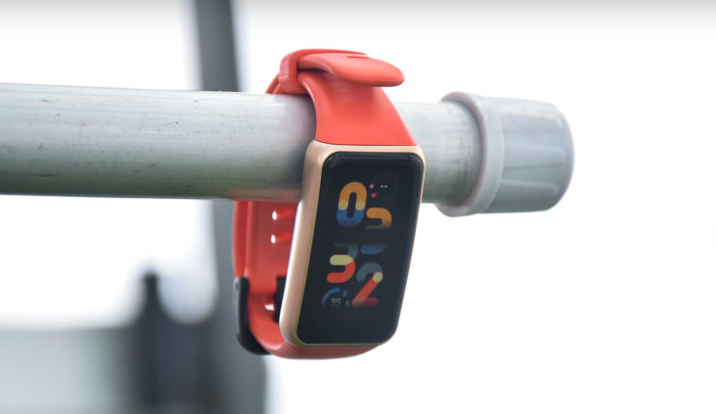 HUAWEI Band 6 Review and Specs